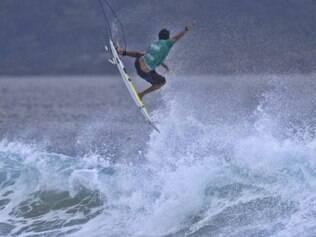 Italo Ferreira venceu surfista da casa e pegará Kelly Slater