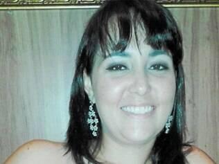A família de Bruna Chaves não se contém de alegria e a parabeniza pela graduação em engenharia química, com abraços do avô materno, Lupiro, e de tia Verinha.