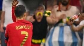 Cristiano Ronaldo é atingido por garrafa de Coca-Cola em jogo