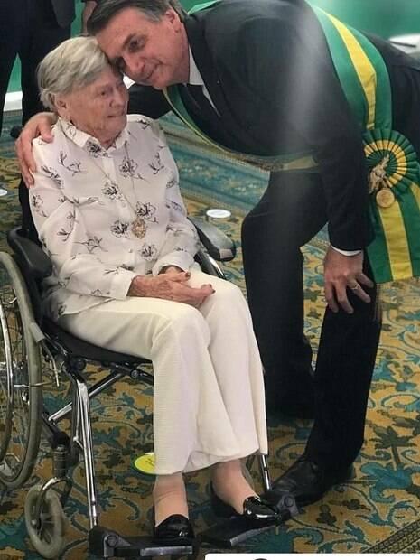 Jair Bolsonaro e sua mãe%2C Olinda