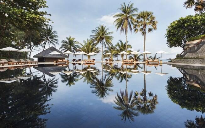 A hospedagem The Surin Phuket, Phuket, na Tailândia, também ajuda o turista que busca renovar as fotos de viagem