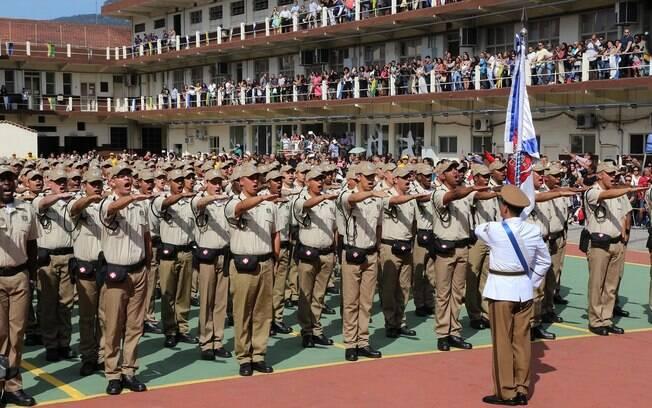 Guardas pedem convocação de selecionados em concurso do ano de 2012