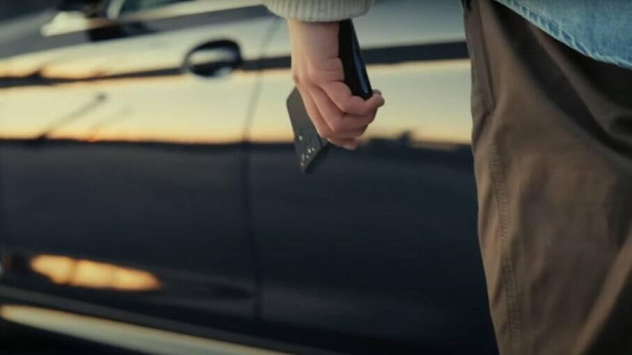 Samsung Digital Key permite que motorista ligue o veículo e regule a temperatura do ar-condicionado pela internet