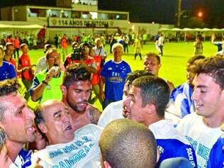Carnaval na Bahia. No dia 13 de novembro do ano passado, o Cruzeiro comemorava título em Salvador, após vencer o Vitória