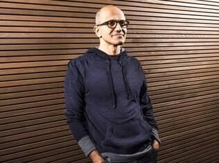 Com a saída de Steve Ballmer, Satya Nadella é o novo presidente-executivo da Microsoft