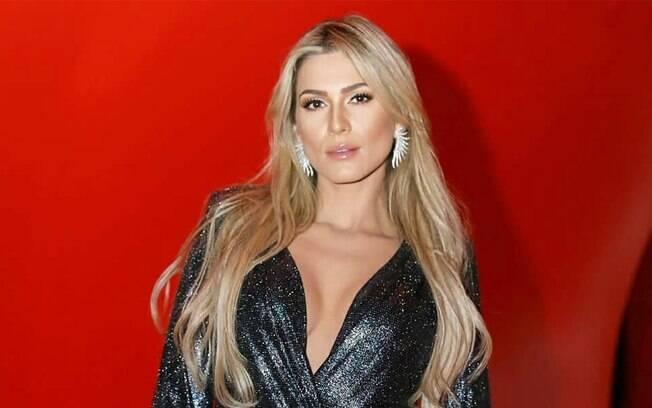 Lívia Andrade divulga nota de repúdio e nega que tenha sido amante