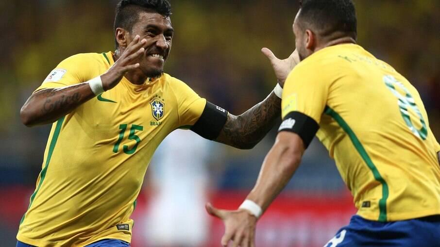 Paulinho anunciado pelo Al Ahli