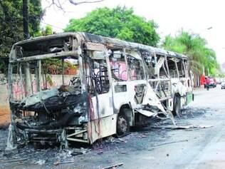 Desdobramento.  Após a morte de Alexandro de Souza, três ônibus foram incendiados
