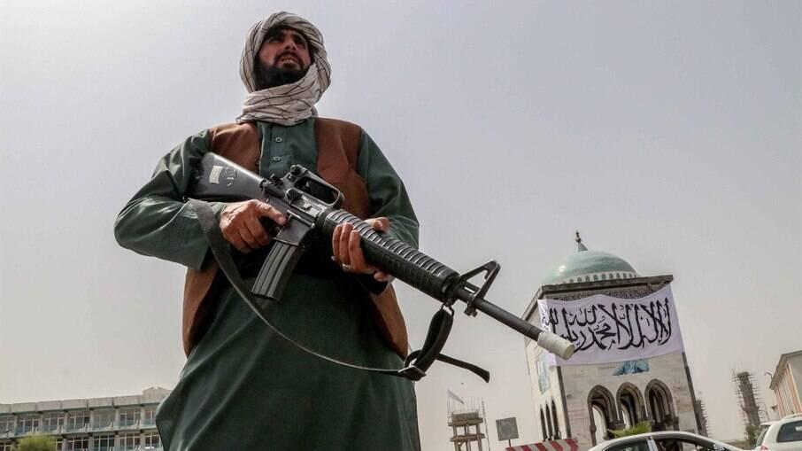 Talibã teria matado parente de jornalista alemão no Afeganistão