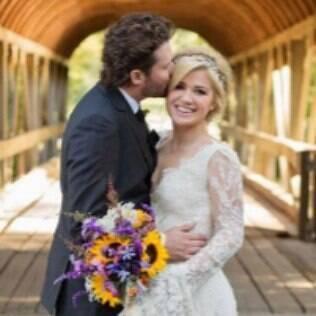 Kelly Clarkson e Brandon Blackstock em seu casamento