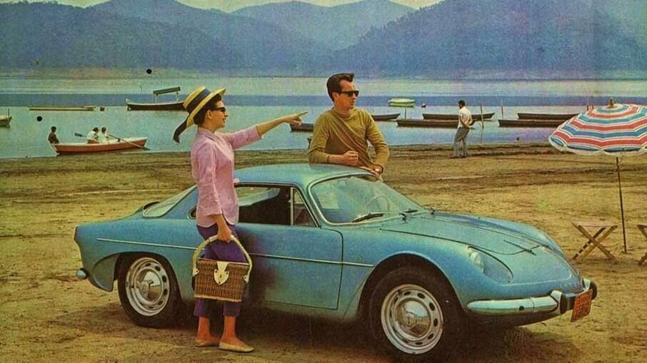 Willys Interlagos 1961: até a cor azul segue o padrão do Alpine A108  original fabricado na França