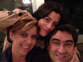 Zeca Camargo, Marina Person e Astrid Fontenelle passam Dia dos Namorados juntos