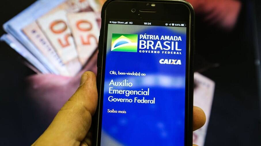 Pagamentos do auxílio emergencial devem ser retomados em abril