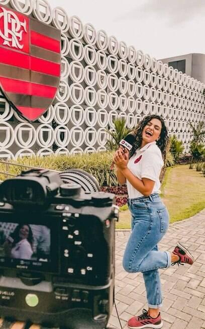 Julie Santos, repórter do Flamengo