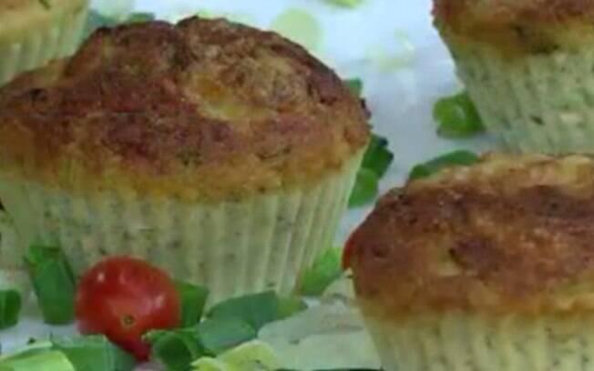 Surpreenda suas visitas com um delicioso muffin de frango e legumes