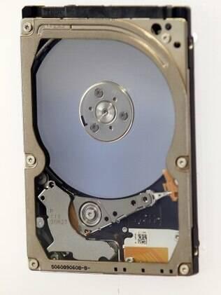HDs convencionais gravam dados usando uma agulha e um disco magnético