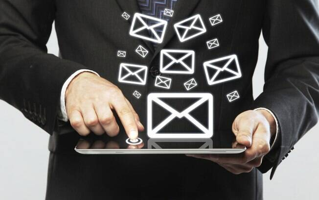 Responder e-mails deixa os dois lados contentes e, mesmo quando a resposta não é completa, gera simpatia