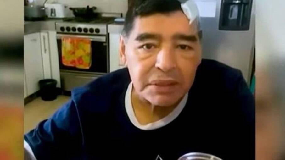 Médicos de Maradona são acusados por possível intenção na morte do ex-jogador