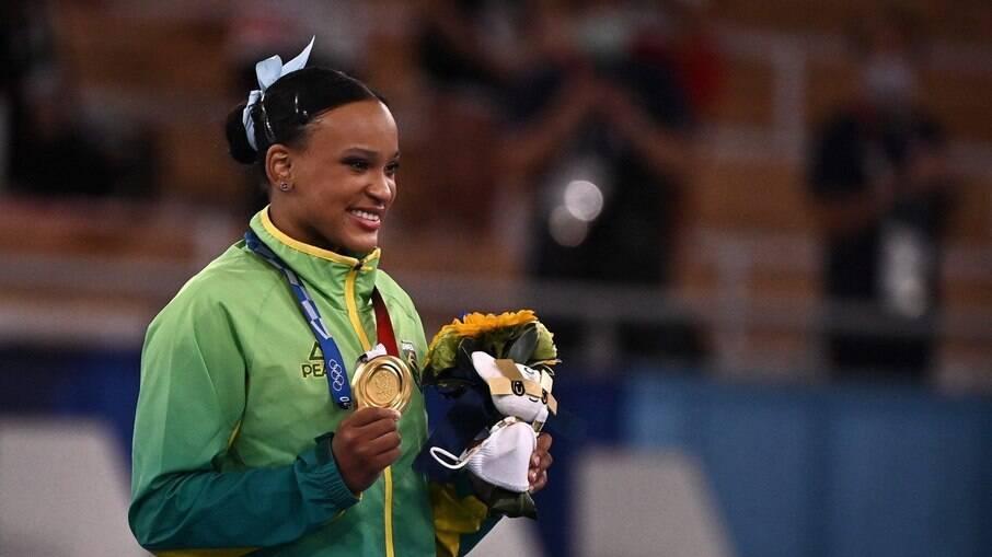 Rebeca Andrade revela surpresa por ouro no salto: 'Não foram os meus melhores'
