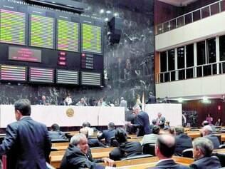 Eleição. Em 5 de outubro, 77 deputados estaduais serão eleitos para mandatos de quatro anos