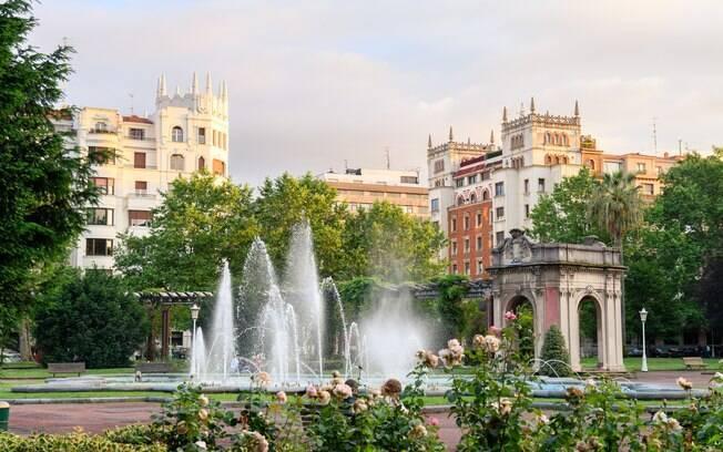 O Parque Casilda Iturrizar, junto ao Paseo de la Memoria, ao República de Abando e ao Erribera é um ótimo parque para relaxar enquanto encontra o que fazer em Bilbao ou dá uma pausa nas compras
