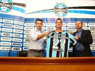 Após passagem sem destaque no Timão, Rodriguinho tenta se encontrar no Grêmio