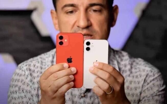Vídeo mostra comparação de tamanho do iPhone 12 mini e do padrão