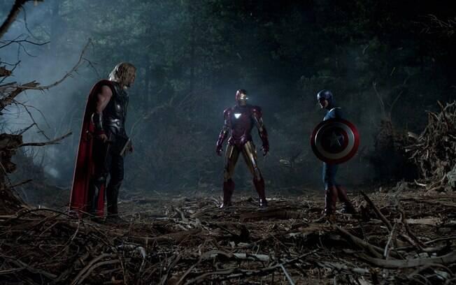 Em meio a conflitos, em 2012 os heróis se uniram pela primeira vez em