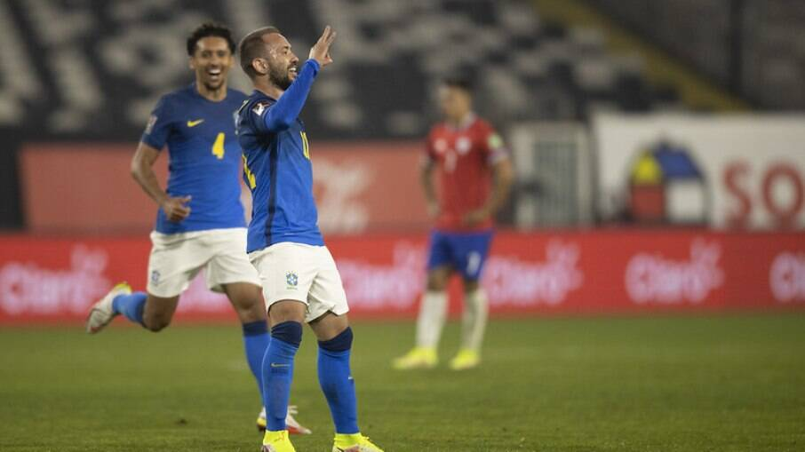 Com gol de Everton Ribeiro, Brasil derrota o Chile