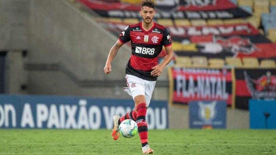 Pendurado, Gustavo Henrique pode ficar fora de possível final da Libertadores