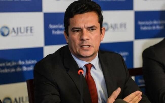 Sérgio Moro, ministro da Justiça e Segurança Pública, alegou que seu celular pessoal foi hackeado