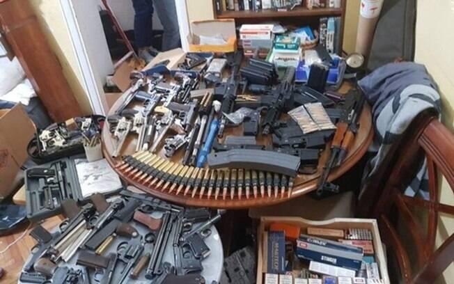 Armas encontradas pela força-tarefa argentina, comprada por traficantes brasileiros