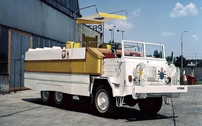 O mais emblemático dos papamóveis é o FSC Star 660, que virou símbolo da luta polonesa contra o regime comunista.