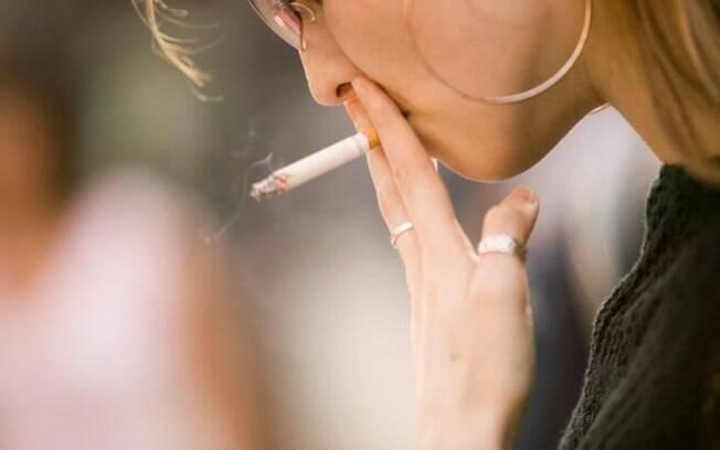 Projeto prevê proibição da venda de cigarros em supermercados e padarias