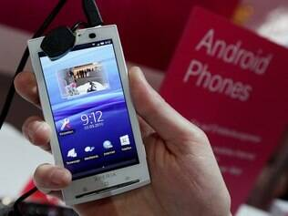 Smartphones com Android, como os modelos da linha Xperia, se popularizam com rapidez em todo o mundo