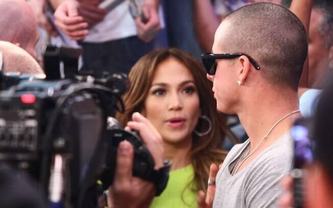 O dançarino, Casper Smart, acompanhou a gravação da namorada