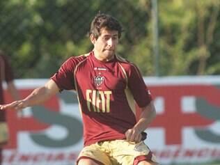 Raphael Aguiar entrou na goleada sofrida para o Sport e deve ganhar vaga do titular, que foi expulso