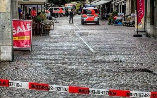 Ataque ocorreu em Schaffhausen e polícia procura por suspeito que usou uma motosserra para ferir as pessoas