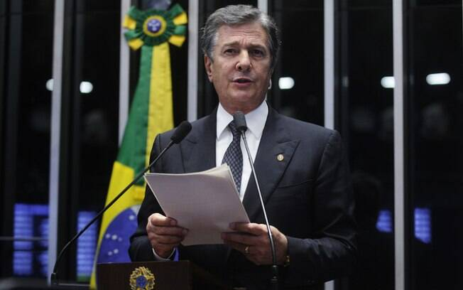 """Senador Fernando Collor de Melo disse que """"a verdade vai prevalecer diante da acusação vil"""