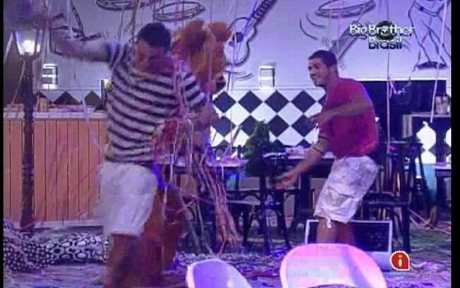 Rafa e Yuri acreditam que Ronaldo é o urso