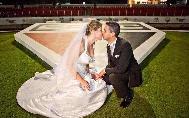 Casal são paulino roxo faz festa de casamento no Morumbi