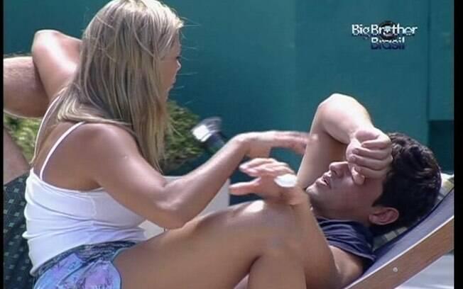 Fabiana garante para Fael que não é dissimulada