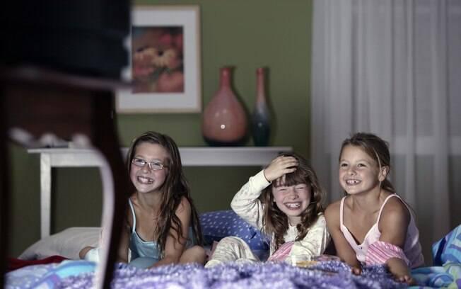 Limite é a palavra-chave para a criança não fazer feio quando dormir na casa alheia, e quem deve ensinar isso a ela são, naturalmente, seus pais
