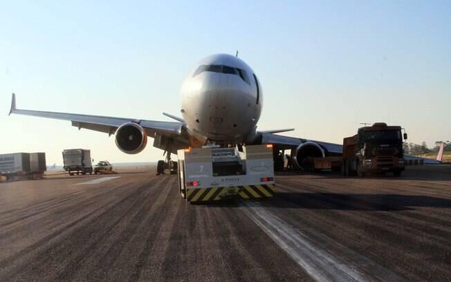 Aeroporto Viracopos Fica Onde : Aeroporto de viracopos segue interditado por cargueiro em