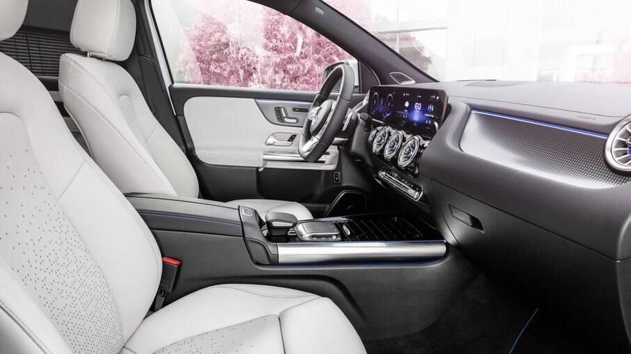 Mercedes-Benz EQA aposta na conectividade para deixar sua condução mais eficiente e segura