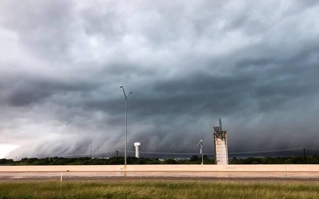 Tempestade deixou ao menos oito mortos nos Estados Unidos