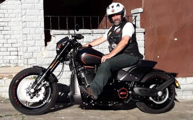 Harley-Davidson FXDR tem mesmo um visual bandido,que combina arrojo como esportividade