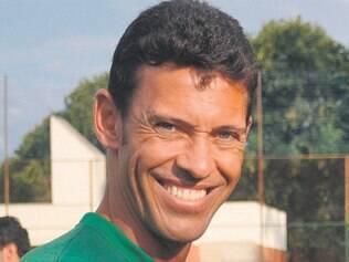 Ídolo da torcida, ex-goleiro e atual técnico dos juniores diz que time é competitivo