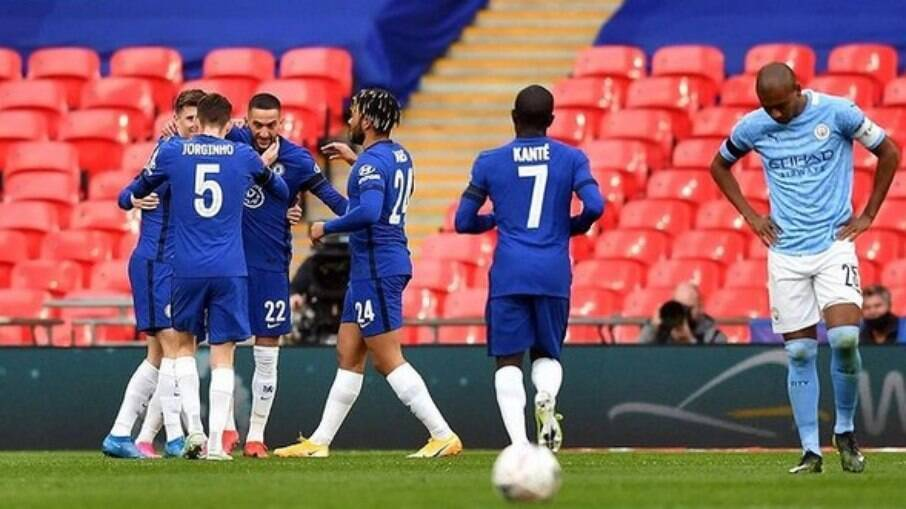 Chelsea e City cogitam deixar a Superliga