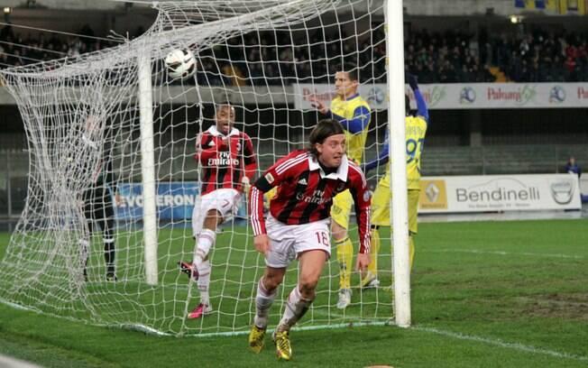 Milan venceu o Chievo fora de casa por 1 a 0,  gol me Montolivo